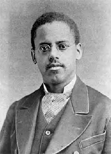 На фото: один из изобретателей лампочек Латимер в 1882 году